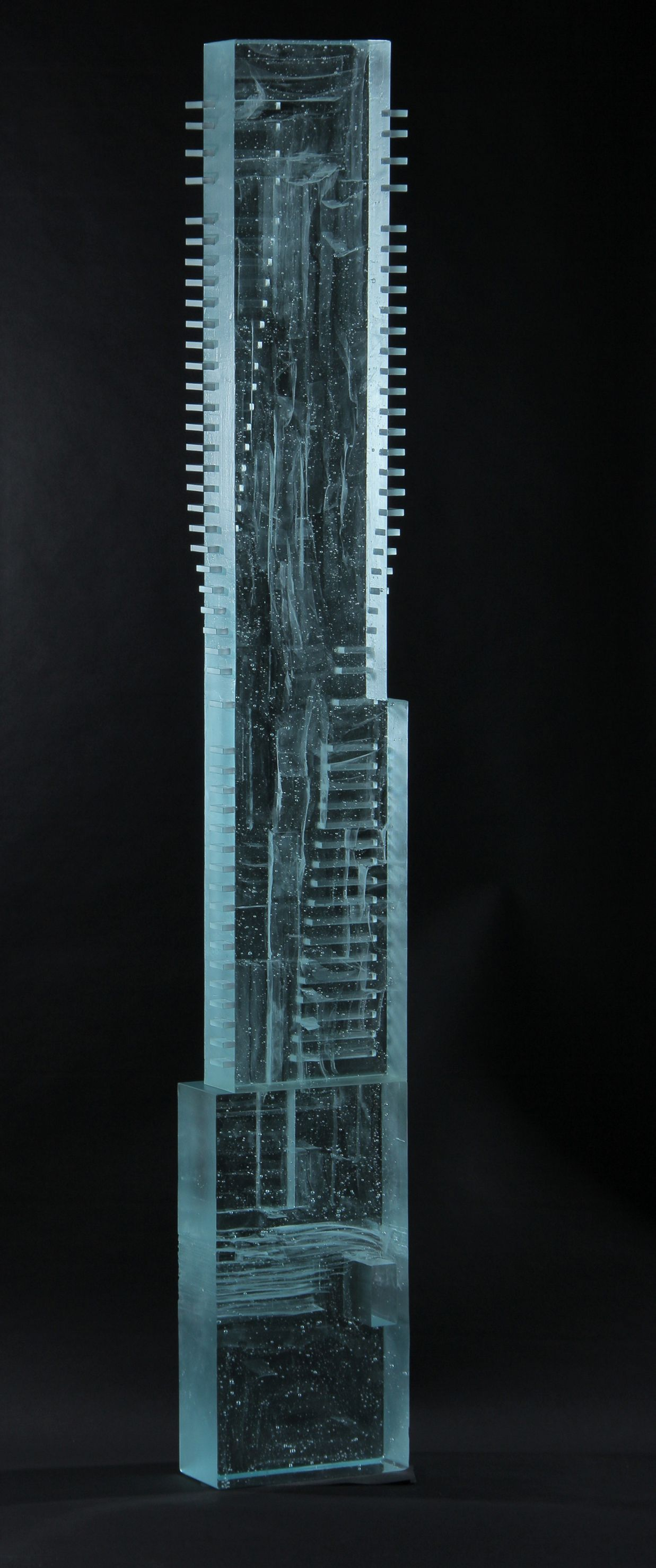One-Seaport-Building-Glass-Sculpture_08